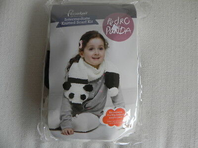 Passioknit Knitted Scarf Kit - Pedro the Panda