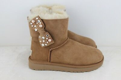 56dcf07fd0c UGG MINI BAILEY Bow Brilliant Chestnut Bling Suede Sheepskin Boots Size 5 Us