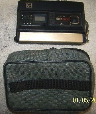 "Vintage Kodak Disc 8000"" Disk Film Camera With Wrist Strap And Carry Case-NR."