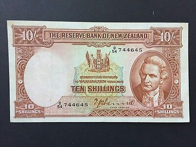 New Zealand 10 Shillings P158a early issue signed Hanna issued 1940 - 1955 VF