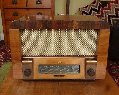 Vintage Noble 1940's Quality Wood Case Valve Radio by Portadyne Working FAB