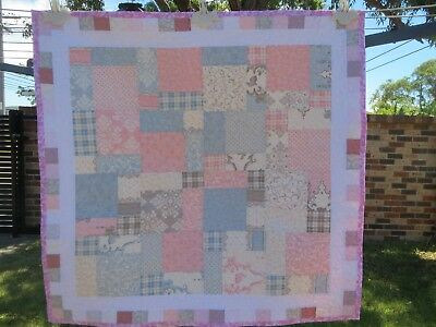 """PATCHWORK HANDMADE BABY QUILT SIZE 31"""" x 31""""/79cm x 79cm COT OR PLAY QUILT"""