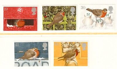 Collectible Great Britain 1995 Christmas Bird Stamps: Robin in Winter Scenes