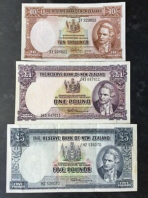 New Zealand 10 Shillings 1 & 5 Pounds issued 1967 signed Fleming 3 x Banknotes