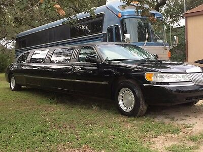2001 Lincoln Town Car  2001 Lincoln Limousine Super Stretch Limo