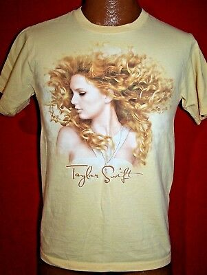 TAYLOR SWIFT Fearless Concert Tour T-SHIRT Adult Small COUNTRY MUSIC