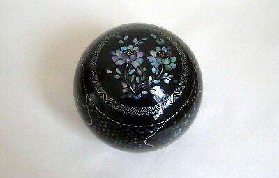 Vintage Inlaid Floral Mother of Pearl Round Black Lacquer Trinket Box