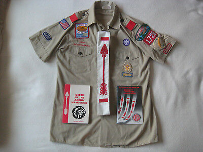 BOY SCOUT UNIFORM WITH HANDBOOK'S Shirt #599 WITH PATCHES Vtg USA Men's : M