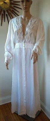 True Vtg Barbizon White Embroidered Floral Lace SILKY SATIN NIGHTGOWN Robe M