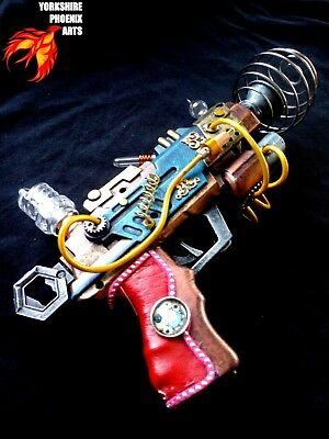 STEAMPUNK Nautilus Ray gun, lights, leather handle, cables, cosplay or display