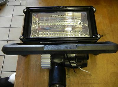 Whelen Pioneer PFP1P1 LED W/POLE LIGHT BRACKET 12 Volt p/n 01-0687141-62B BLACK