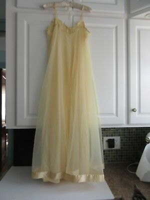 Vtg Lovely Sweeping Chiffon Creamy Gold Negligee Long Nightgown