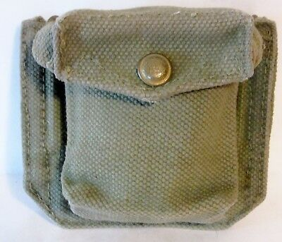 VINTAGE WWII U.S. ARMY AMMO or CLIP POUCH WITH WIRE HOOKS FOR WEBED BELT