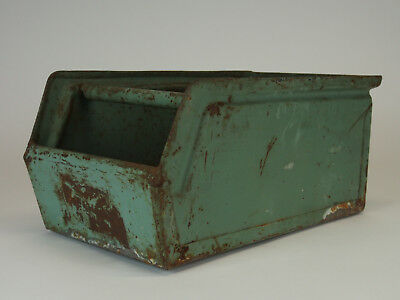 Alte grüne Werkstattbox / Metallbox / Stapelbox / Metallkiste / Industriekiste