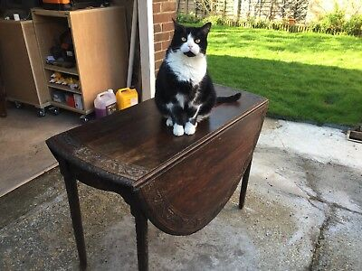 Antique oval oak gate leg table (Harry the cat NOT included)
