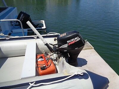 Suzuki 15Hp Outboard Motor Electric Start Excellent Condition