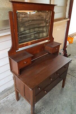1910s or 1920s dressing table