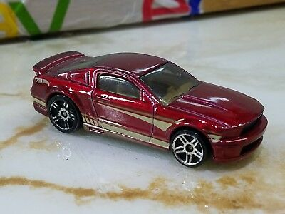 Hot Wheels 2007 Ford Mustang Maroon w White Stripes 1/64 Scale
