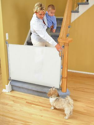 Dreambaby Retractable Gate - White (Fits Gaps up to 140cm) -From Argos o V102761