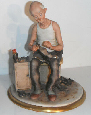 Capodimonte SHOEMAKER COBBLER by Guiseppe Cappe Calle Figurine