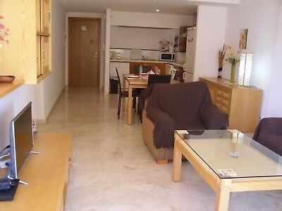 Costa Blanca, 2nd floor apt, inside gated complex, a/c, 3 pools, £370pw, JULY