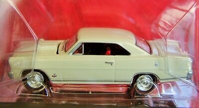 Johnny Lightning 66 1966 Chevy Nova Gold Muscle Car Highly Detaild Chevrolet Car
