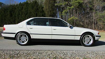 2000 BMW 7-Series  2000 BMW 7-Series EXTREMELY LOW milage Excellent Condition