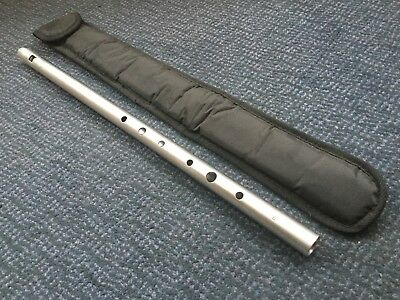 Chieftain Low Whistle in D V4 plus bag - used
