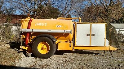 waste water vacuum trailer, 8 foot rear mounted squeegee, 750 gallon tank,