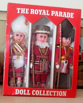 Royal Wedding Vintage The Royal Parade British Royal Guards Doll Collection Set