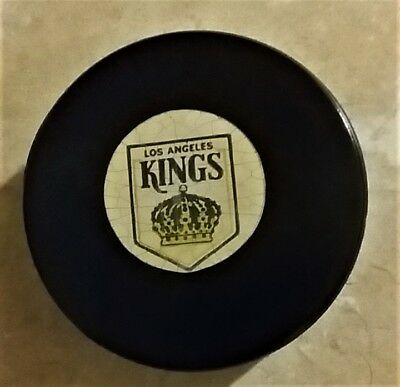 1973-83 NHL Viceroy OFFICIAL Game Puck LA KINGS ( logo is a Queens crown) EX/