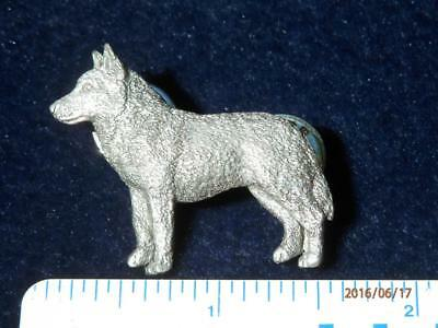 G.G. HARRIS - FINE PEWTER 1997 - 464A - HUSKY DOG - 2 pins   LAPEL or HAT   PIN