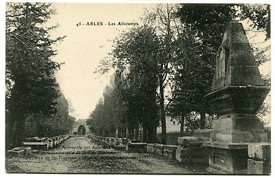 CPA-Carte postale- FRANCE -  ARLES - Les Aliscamps (CPV 338)