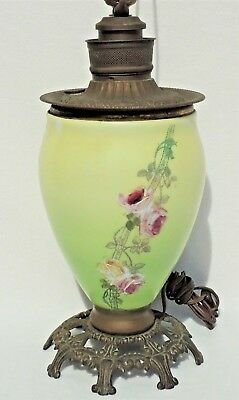 Vtg/Antique ROSES Hand Painted FLOWERS Brass Oil Accent Electric Table Lamp 3854