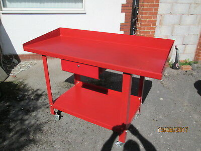 Steel Metal table single drawer 4 wheels (locable) great condition heavy duty