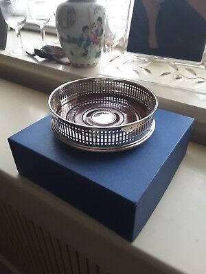 EXCELLENT STERLING SILVER PIERCED WINE BOTTLE COASTER By Carrs Sheffield