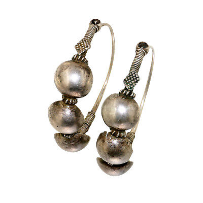 (2001)antique silver earrings from India