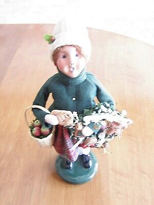 Byers Choice Caroler Girl W/Gingerbread Holding Basket of Apples & Wreath