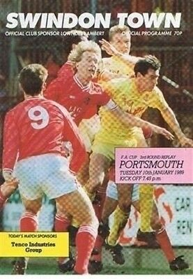 Swindon Town v Portsmouth FC 10/01/89 (County Ground) football programme