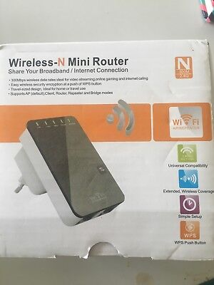 300mbps Mini Wireless N Router Wifi Repeater Range Extender Booster UK Plug -NEW