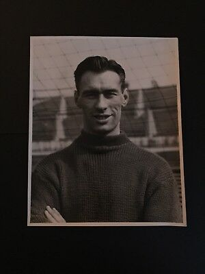 Original Press Photograph- Ray Wood Manchester United 1957 stamped