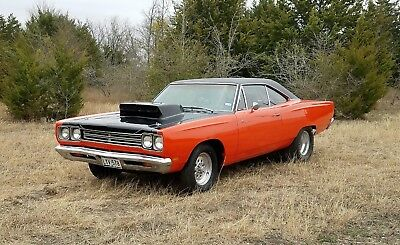 1969 Plymouth Road Runner  1969 Plymouth Road Runner  426 Hemi  Runs and Drives   No Reserve   Roadrunner