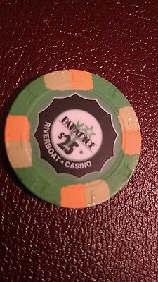 $25 poker gaming chip. Paulson Top Hat & Cane Paradice Riverboat Casino USED
