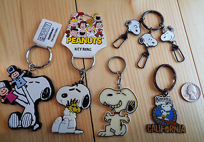 Lot Of 5 Snoopy And Woodstock Key Chains Keychains Peanuts Gang