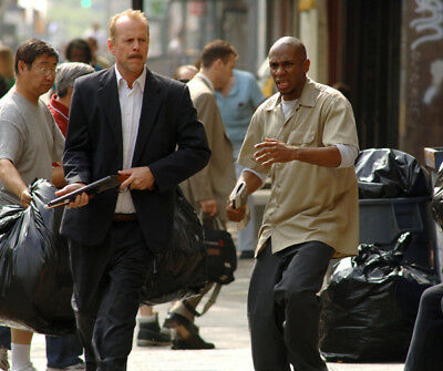 Bruce Willis and Mos Def UNSIGNED photograph - L2863 - 16 Blocks