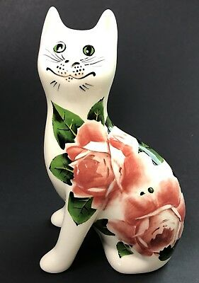 Griselda Hill Pottery Cat Wemyss With Classic Cabbage Rose Detail