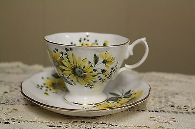Royal Albert Yellow Daisy TEACUP & SAUCER