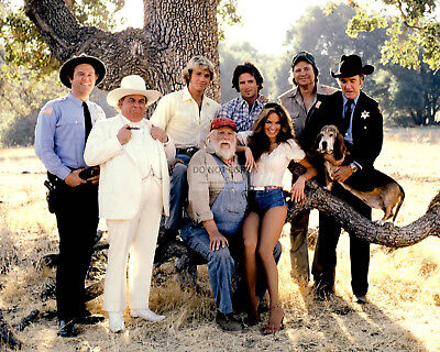 """The Dukes Of Hazzard"" The Cast From The Tv Show - 8X10 Publicity Photo (Az349)"