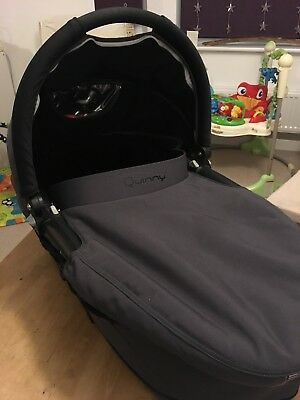 Quinny Dreami Buzz Carry Cot - Hardly Used