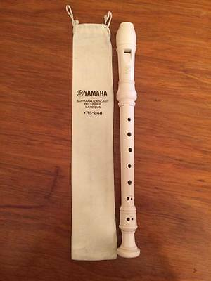 Yamaha Cream Recorder YRS-24B + case